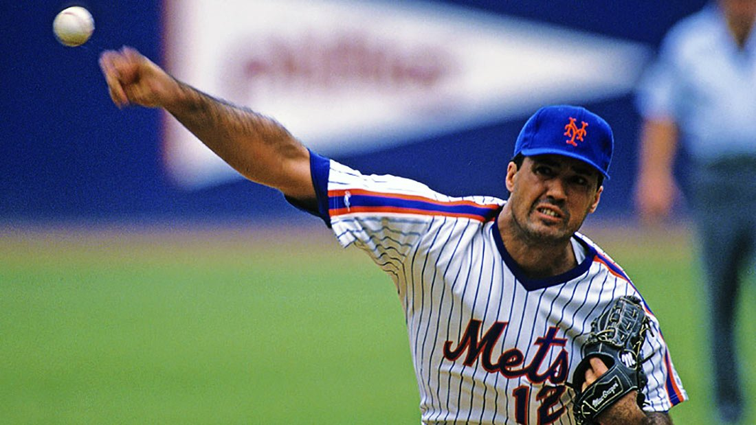Ron Darling pitching for the Mets
